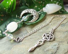 Gemstone Pendulum - Goddess and pentagram - Wicca - Pagan - Scrying - Psychic - Gypsy Fortune Teller - Handmade by White Raven Designs by RavenshiresRealm on Etsy