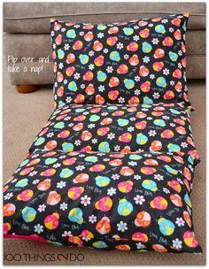 Pillow Mattress Tutorial 2019 Create a fold up chair/mattress with pillows! The post Pillow Mattress Tutorial 2019 appeared first on Pillow Diy. Diy Mattress, Pillow Mattress, Mattress Cleaning, Pillow Beds, Diy Pillow Chair, Pillow Lounger, Fold Up Chairs, Old Pillows, Giant Floor Pillows