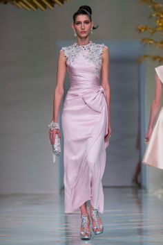 Guo Pei Fashion Show Couture Collection Spring Summer 2016 in Paris Iconic Dresses, Gala Dresses, Couture Dresses, Evening Dresses, Fashion Dresses, Fancy Wedding Dresses, Sheer Wedding Dress, Bridal Dresses, Fashion Week