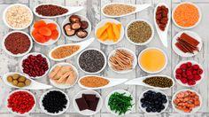 ¿Los súper alimentos existen? La Asociación Americana de la Diabetes presentó un interesante decálogo en el que apunta los alimentos básicos que debería haber en la dieta de una persona con diabetes. Todos los que se incluyen en la lista tienen un índice glucémico bajo y proporcionan nutrientes clave, como calcio, potasio, fibra, magnesio, vitaminas A (como los carotenoides), C y E....