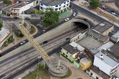 PASSAGEM DE NÍVEL DJALMA BATISTA Passagem de nível da avenida Djalma Batista com Boulevard Alvaro Maia.  Foto: Durango Duarte. Acervo: Fotos Aéreas Manaus – 2007.