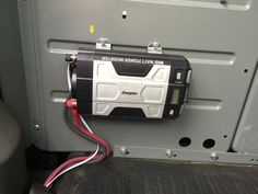 Power inverter with outlets in bed Chevy AVALANCHE