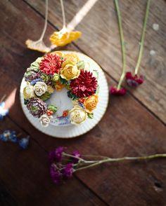 SFCA 파이핑 워크샵 theme: 다알리아 . . . #flowercake #플라워케이크 #써드아이엠 #플라워케익 #새해복많이받으세요 #buttercreamcake