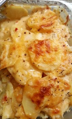 good Scalloped Potatoes Hey everybody… I hope your day is going well! :) Today, I'm going to share with you a scalloped potato recipe that will knock your socks off! Now, I will tell you, I grew up on boxed, B…Hey everybody… I hope your day is going well! Potato Sides, Potato Side Dishes, Vegetable Dishes, Vegetable Recipes, Cooking Vegetables, Vegetable Bake, Mushroom Recipes, Scalloped Potato Recipes, Scallop Recipes