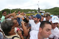 CAPRILES PIDIÓ A VIRGEN DEL VALLE POR LA UNIÓN DE LOS VENEZOLANOS   Nueva Esparta,08/09/2014.-Como cada 8 de septiembre, desde hace 10 años, el líder de la Unidad Democrática, Henrique Capriles, asistió a tierras margariteñas para rendir homenaje a la Reina del Oriente del país, la Virgen del Valle, que este lunes cumplió 103 años de su coronación canónica.