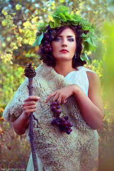 Priestess of Dionysus by NataliaCiobanu on DeviantArt Greek God Costume, Goddess Costume, Toga Party Costume, Satyr Costume, Greek Dress, Greek Gods And Goddesses, Bacchus, Wine Festival, Dionysus