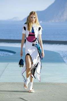 #LouisVuitton  #fashion  #Koshchenets     Louis Vuitton Resort 2017 Collection Photos - Vogue