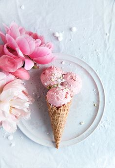 Strawberry Ice Cream Cone. Photo by Linda Lomelino.