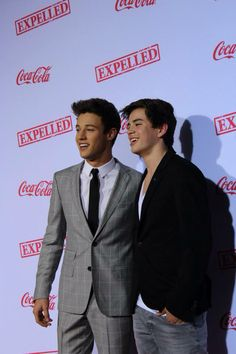 Hayes grier and cameron dallas // this photo was taken by my friend so if you wanna see some pictures of cameron and others (mahogany,nash,cameron ,emblem 3 and more) from the expelled premiere follow her on twittter @danielleejaime and look at her photos