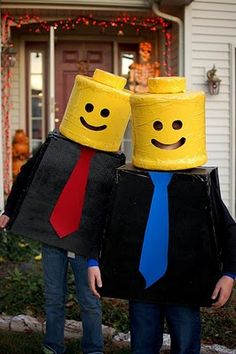 My little LEGO freaks must be LEGO minifigures next Halloween!