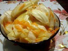 ИнгредиентыКапуста 2-3 кг.Морковь — 2-3 шт.Вода — 1,5 литраСоль — 2 ст. л.Сахар — 9 ст. л.Чеснок 5-6 зубчиковУксус 70 % — 1 ст. л. или 9% — 200 гр.Молотый черный перец — 1 ч.л.Способ приготовленияШаг …