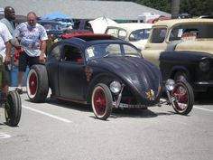 VW Rat... got to be running motorcycles wheels on front?!