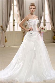 豪華なAライン恋人床長さチャペルレースウェディングドレス