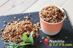 HOMEMADE HEALTHY ROSEMARY AND MINT GRANOLA