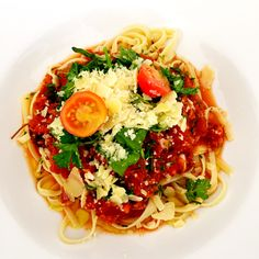 Organic chicken bolognese, homegrown basil, cherry tomatoes, Parmesan with linguine #fromwandaskitchen #homecooked
