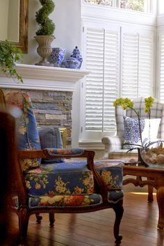 Gorgeous French Country Living Room Decor Ideas (39)