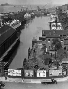 An elevated overview of Princ's Dock Liverpool as seen from the royal liver building Photo: mary evans picture library Liverpool Waterfront, Liverpool Town, Liverpool Docks, Liverpool History, Hull England, Kingston Upon Hull, Leeds Castle, Living In England, 2nd City
