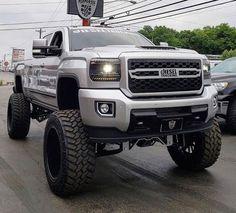 Lifted Chevy Trucks, Ford Pickup Trucks, Jeep Truck, Lifted Duramax, Chevy Duramax, Cool Trucks, Big Trucks, Chevrolet Silverado, Sports Cars Lamborghini
