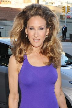 Sarah Jessica Parker Long Curls - Sarah Jessica Parker pumped up the volume for the Robin Hood Foundation. She teased her hair at the roots and curled the ends for ultimate impact.