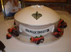New Orleans super dome grooms cake