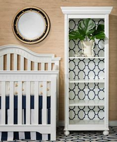 The #wallpapered (or #stenciled) #bookshelf is one of our favorite #diy room makeovers.