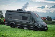 Mercedes Sprinter Camper, Bus Camper, Sprinter Van, Van Conversion Interior, Camper Van Conversion Diy, Caravan, Luxury Campers, Custom Camper Vans, 4x4 Wheels