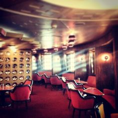 The Ambassador Lounge at the ss Rotterdam. Great light, colors and furniture.  Photo: @Wilmazevenbergen