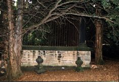 famous graves | Robin Hood's Grave | Paranormalknowledge.com
