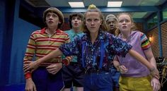 The phenomenal Netflix Stranger Things series has a large fan base worldwide. Stranger Things Netflix, Stranger Things Fotos, Cast Stranger Things, Stranger Things Season, Stranger Things Screencaps, Duffer Brothers, Angry Girl, Sadie Sink, Millie Bobby Brown