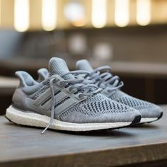 The Adidas Ultra Boost sneaker has become a hit, a hit for counterfeiters as well. Get a 25 point step-by-step guide on spotting fakes from goVerify.it if before it's too late. Me Too Shoes, Men's Shoes, Shoe Boots, Shoes Sneakers, Grey Shoes, Sneakers Fashion, Fashion Shoes, Mens Fashion, Cheap Fashion