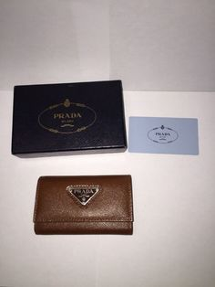 193.45$  Watch here - http://viqua.justgood.pw/vig/item.php?t=zj51kt37828 - New PRADA Leather 6 Key Holder Organizer Brown Wallet M222 Saffiano Bruciato NIB