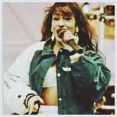 Selena 1994! Selena Quintanilla Perez, Timeless Beauty, True Beauty, Selena Mexican, Mom Film, Selena G, Mexican American, Now And Forever, Her Music
