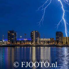 Feyenoord stadion Rotterdam bij onweer