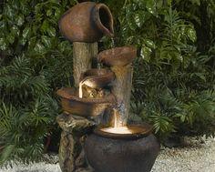Vous avez la chance d'avoir un jardin et vous rêvez d'avoir une fontaine pour lui donner un peu de cachet ? Voici une superbe sélection de fontaines, pour tous les goûts... et tous les budgets !