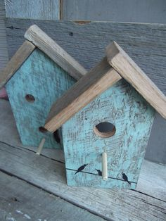 reclaimed barnwood BIRD HOUSE wall art/hanger in vintage green