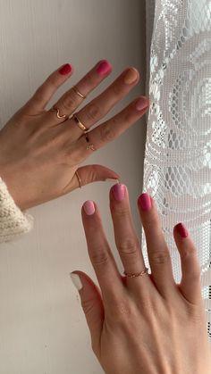 Pastel Pink Nails, Light Pink Nails, Yellow Nails, White Nails, Nail Art Designs Videos, Pink Nail Designs, Simple Nail Designs, Minimalist Nails, Nail Polish