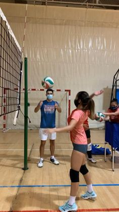8 Coaching Volleyball And Volleyball Drills Ideas In 2021 Volleyball Training Volleyball Bag Volleyball Practice