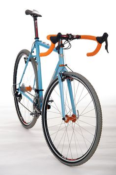 Independant Fab - Crema - Gulf Racing Colors on a bike... brilliant :)