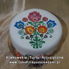 182. Tort z malowanym ręcznie folklorystycznym wzorem. Folklore cake.