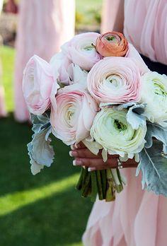 Brides Live Wedding | Ranunculus and Dusty Miller | Photo credit: Ingalls Photo