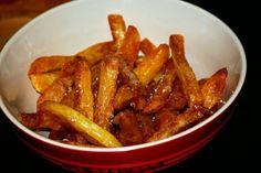 Her er opskriften på perfekte hjemmelavede pommes frites, som endda kan laves i. Tapas, Homemade Sauce, Homemade Fries, Chicken Wings, Food Inspiration, Foodies, Food Porn, Brunch, Food And Drink