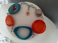 """""""Bracelet asymétrique orange et bleu sarcelle """" : Bracelet par bijouxlibellule"""