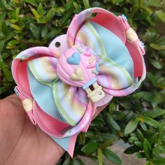 Diy Hair Bows, Ribbon Hair, Bow Hair Clips, Diy Hairstyles, Pretty Hairstyles, Making Bracelets With Beads, Girls Bows, Clay Charms, Baby Sewing