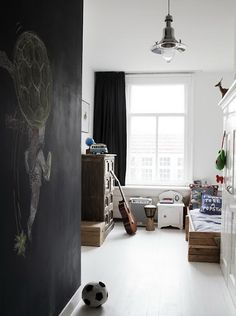 Cool boys room, like the blackboard wall and light. Black Chalkboard Paint, Chalkboard Wall Bedroom, Blackboard Wall, Bedroom Wall, Kids Bedroom, Bedroom Decor, Chalk Wall, Chalk Board, White Bedroom