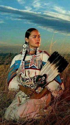 Acosia Red Elk, Shoshone-Bannock tribes Plus Native American Girls, Native American Pictures, Native American Beauty, Native American Tribes, American Indian Art, Native American History, American Indians, American Symbols, Native Indian
