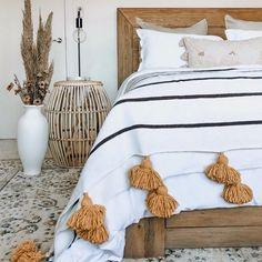 Bedroom interior design - My Deco Marketing on Instagram #interiors #interiordesign #mydecomarketing Interior Blogs, Best Interior, Luxury Interior, Bedroom Inspo, Bedroom Decor, Colourful Living Room, Beautiful Bedrooms, Luxury Living, Interior Design Inspiration