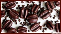 Kávové zrno, jednoduché nepečené cukroví. - YouTube Christmas Cookies, Beans, Candy, Chocolate, Vegetables, Cooking, Recipes, Food, Youtube