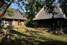 Dai un'occhiata a questo fantastico annuncio su Airbnb: Casa Veche - case in affitto a Hoteni