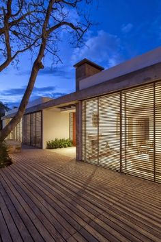 Image 12 of 20 from gallery of House / Gabriel Rivera Arquitectos. Photograph by Sebastian Crespo Architecture Résidentielle, Contemporary Architecture, Contemporary Landscape, Modern Contemporary, Installation Architecture, Contemporary Building, Design Exterior, Interior And Exterior, Outdoor Shutters