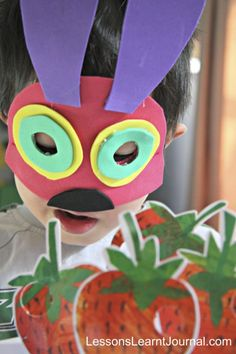 How to make a quick DIY no sew The Very Hungry Caterpillar costume. So easy that kids can make it too. via Lessons Learnt Journal. World Book Day Costumes, Book Character Costumes, Book Week Costume, Book Characters, Character Ideas, Easy Diy Costumes, Toddler Costumes, Costume Ideas, Bug Costume